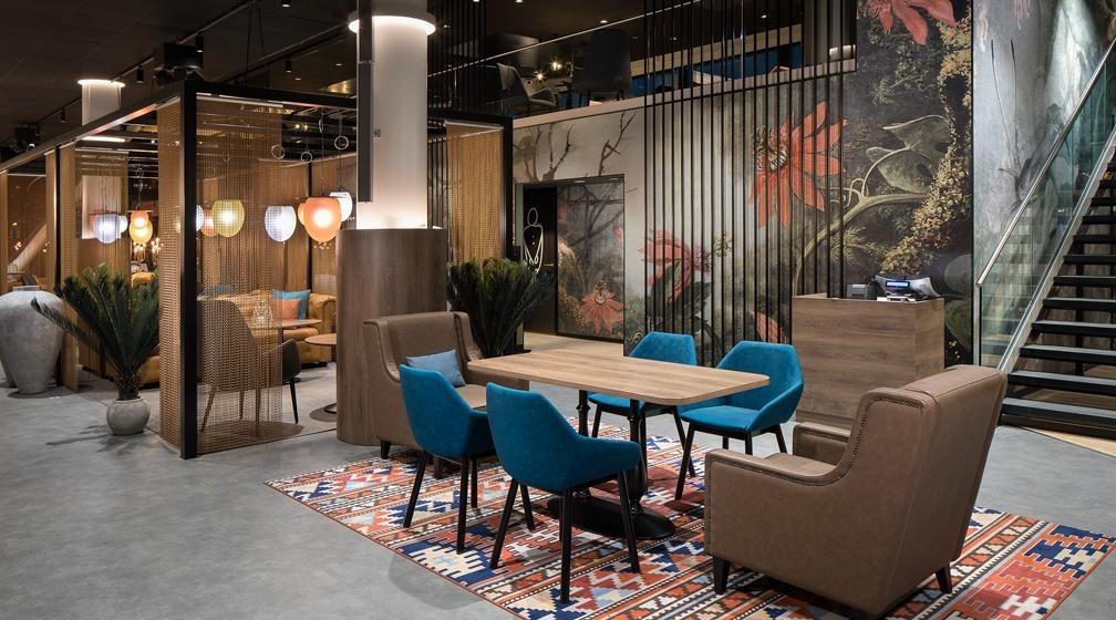 Bistro Ellin lounge rentoon yhdessäoloon ja seurusteluun