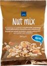 Paahdettuja Ja Suolattuja Maapähkinöitä, Paahdettuja Cashewpähkinöitä Ja Manteleita Sekä Chilipähkinöitä