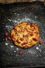 Fazer Leipurit Artesaani Kinkku-Ananas-Aurajuusto Pizza Kg Pizza