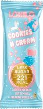 Lohilo Cookie`S And Cream Sokerittomalla Suklaalla Kuorrutettu Mustia Keksinpaloja Sisältä Vaniljaproteiinijäätelöpatukka 85Ml