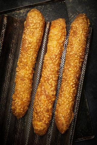 Fazer Leipurit Leipurimestarin juustopatonki 330 g vehnäleipä